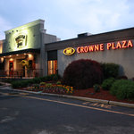 Crowne Plaza At Paramus Park
