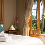 All Suites with King or Queen size bed, Air confitioning, bathrobes, spa baths, kitchennette, lo
