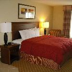 Valpo Country Inn & Suites