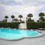 Photo de Gulf Winds Resort Condominium