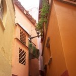 Alley of the Kiss (Callejon del Beso)