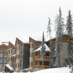 Grizzly Lodge from Raven Ridge Road