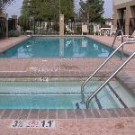 Photo de Holiday Inn Express Hotel & Suites Porterville