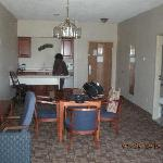  Kitchen/Dining Room (suite)