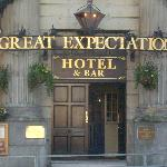 Foto de Great Expectations Hotel & Bar