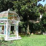 un fantastico gazebo in stile liberty