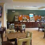 Foto de Holiday Inn Express Hotel & Suites Smyrna-Nashville Area