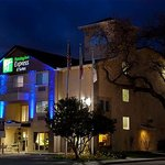 Holiday Inn Express Ste Paso Roble
