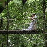 kiss'n on the swinging bridge