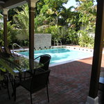 ‪Travelers Palm Inn‬