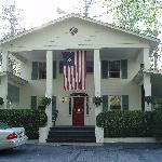 Foto de Colonial Pines Inn Bed and Breakfast