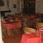restaurant couvert face piscine d'agrement