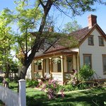 Purple Sage Inn