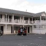 Cool Harbor Motel