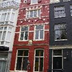 The beautiful red house in Herengracht 152