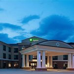 Holiday Inn Express Hotel &amp; Suites Peru