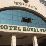 Royal Paris Hotel resmi