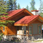 ‪Patricia Lake Bungalows‬