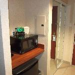 Photo de Holiday Inn Express Hotel & Suites Toronto - Mississauga