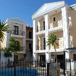 Photo de Renia Hotel Apartments