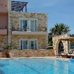 Mistral front pool and front rooms