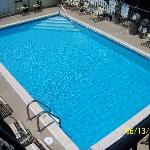 THE BEAUTIFUL CLEAN POOL!