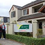  Quest Taupo is a great place to stay and a short walk to the Jolly Good Fellows