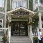 Village Inn of Lakefield resmi
