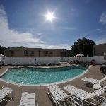 Foto All Seasons Inn & Suites
