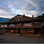 This is the location you want to pick...general store below and motel above.