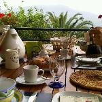  Colazione in giardino