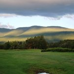 Omni Bretton Arms Inn at Mount Washington Resort resmi
