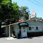 Maple Leaf Motel Reception