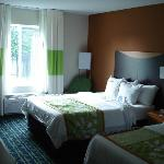 Fairfield Inn and Suites resmi