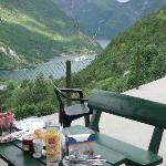  breakfast outside the cabin and the beautiful view