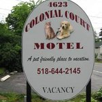 ‪Colonial Court Motel‬