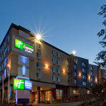 Holiday Inn Express &amp; Suites Seattle Sea-Tac Airport