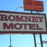 The Romney Motel sign.