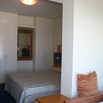 3 person room Zelai