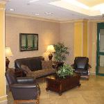 Foto de Holiday Inn Express Hotel & Suites Florence Civic Center @ I-95