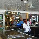 the bar outside of pussers