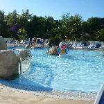 Photo de Camping Les 2 Fontaines