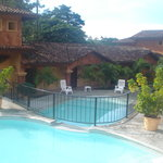  Las piscinas del hotel