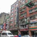  Dong Wu hotel, next to 7-11