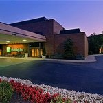 Holiday Inn Cincinnati-Airport