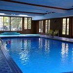  Chalet Chteau-piscine intrieure/with indoor pool