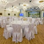 Banquet Hall spread across 450 m² and host up to 150 guests for a gala dinner