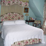  The King&#39;s Room with canopd double bed