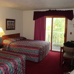 Photo de Somerset Inn & Suites