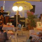  main restaurant, live lounge music